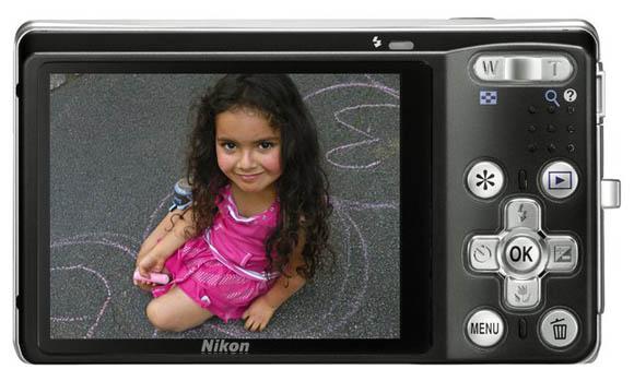 Nikon S560